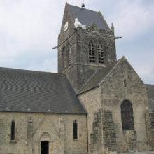 2401953-St_Mere_Eglise_Sainte_Mere_Eglise