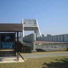 800px-03_Pegasus_Bridge2