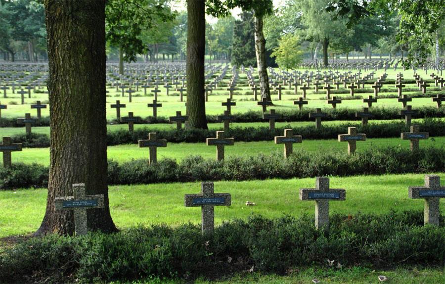 Lommel German Cemetery